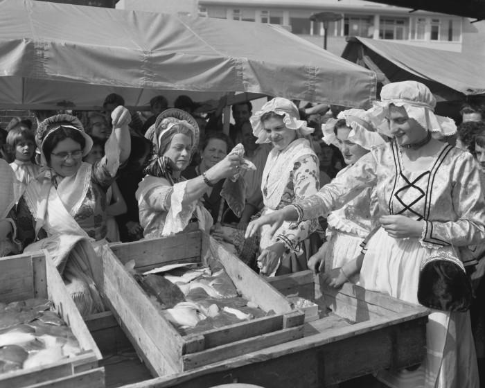 Herbert Behrens: Kaat Mossel bezoekt Rotterdam 27augustus 1958 CC0