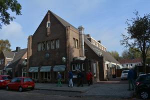 Foto: G. Oosterlee - Exterieur Café Restaurant Courzand
