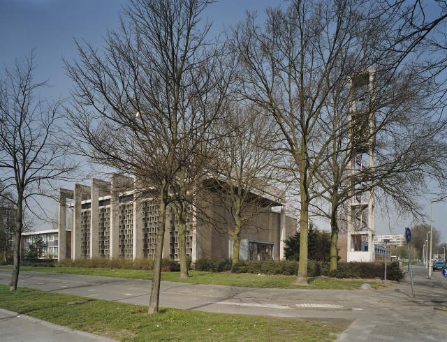 G.J Drukker / RCE - Katholieke Sint Bavokerk in Pendrecht no. 503.534